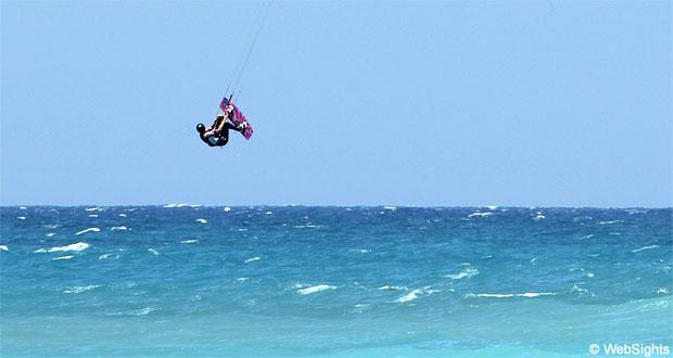 Theologos kitesurfing